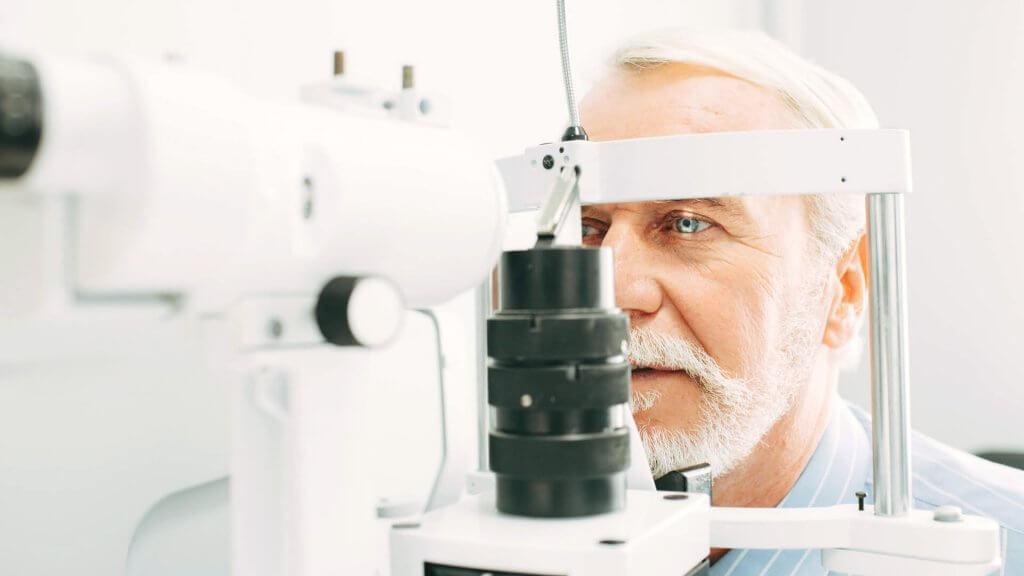 Augenarzt in Essen - Augenuntersuchung für Lasertherapie